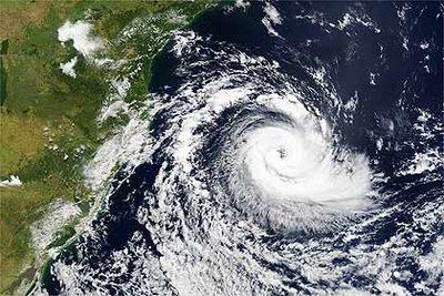 Figura 3 - Ciclone Extra-Tropical no Hemisfério Sul.